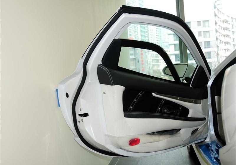 2010款 3.3 AT基本型