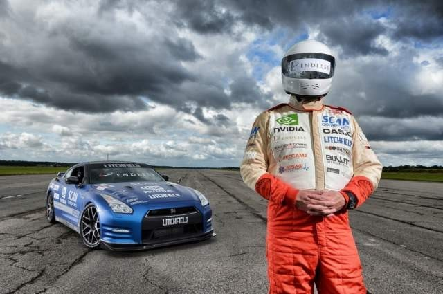 mike-newman-sets-new-blind-land-speed-record-in-a-litchfield-nissan-gt-r_1004767.jpg
